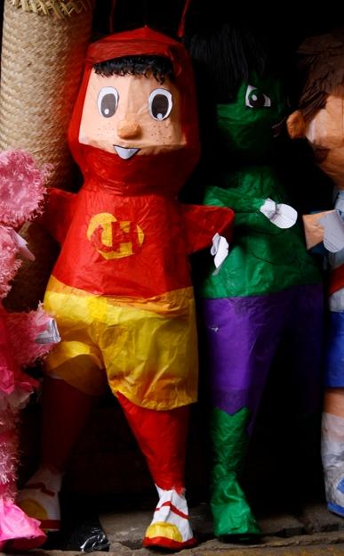 Piñata El Chapulin colorado